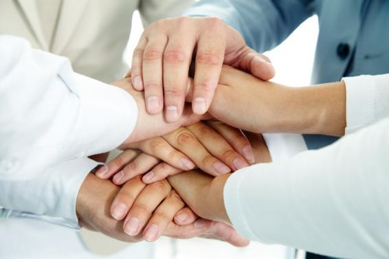 Etre heureux au travail grâce au soutien professionnel de ses pairs